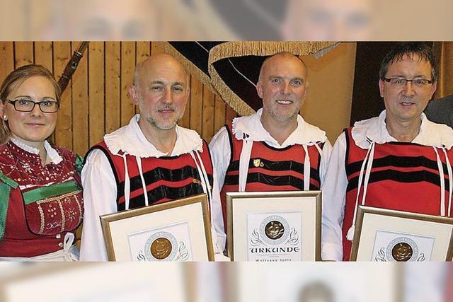 Ehrungen für 170 Jahre Musizieren in der Trachtenkapelle