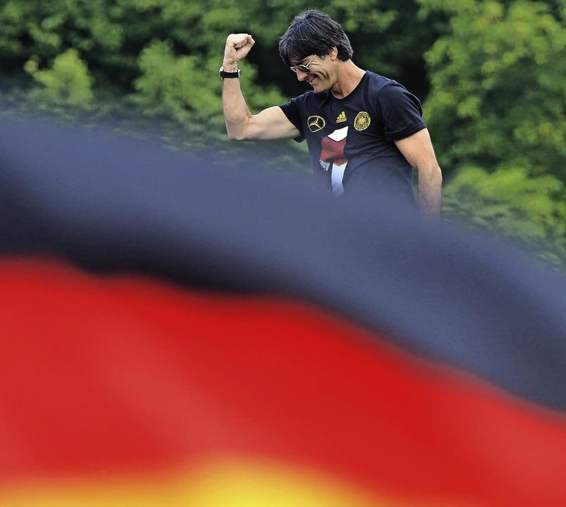 Löw hat seit diesem Jahr einen neuen Vornamen: Weltmeistertrainer   | Foto: dpa