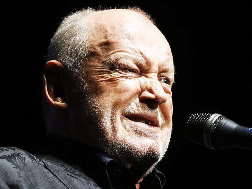 Joe Cocker auf seiner letzten Tour 2013 bei einem Konzert in Nizza.    Foto: VALERY HACHE