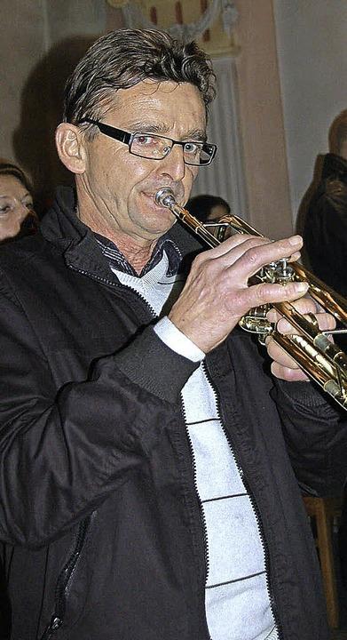 Christoph Sibler ließ weihnachtliche Jubelklänge auf der Trompete erschallen.    Foto: Jutta Binner-Schwarz