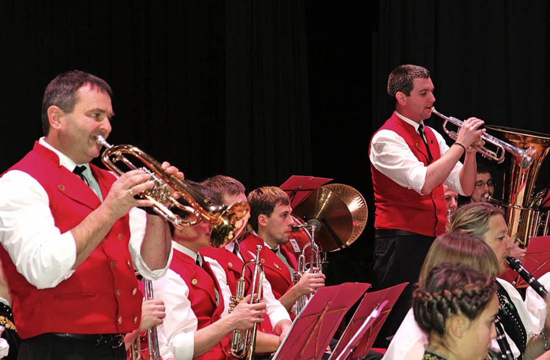 Herrlich das Trompetenspiel von Clemen... (links) und Christian Simon (rechts).  | Foto: akh