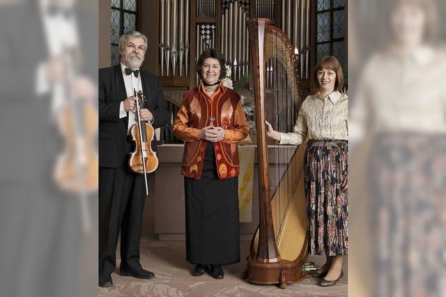 Budapester Geige-Harfe-Duo mit Sopranistin Eva Csapé