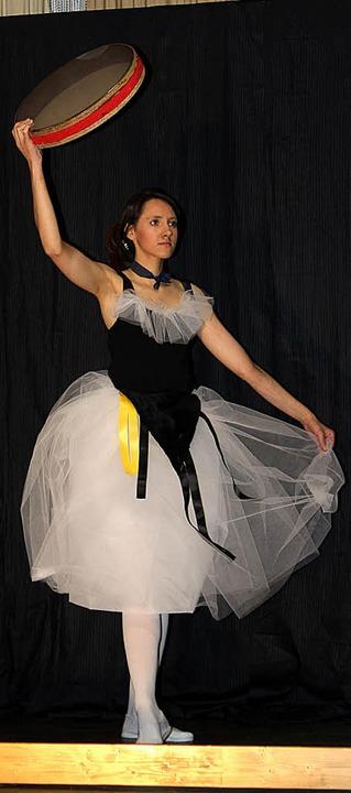 "Lebendige Kunst: Degas' ""Tänzerin mit Tamburin"".  | Foto: Anja Bertsch"