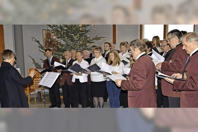 Tosender Applaus für Premiere des gemischten Chors