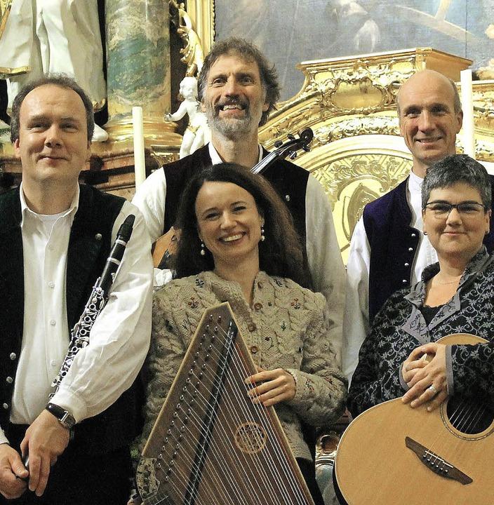 Praktizieren die ursprüngliche, klangv...hwarzwälder Stubenmusik aus St. Peter     Foto: Veranstalter