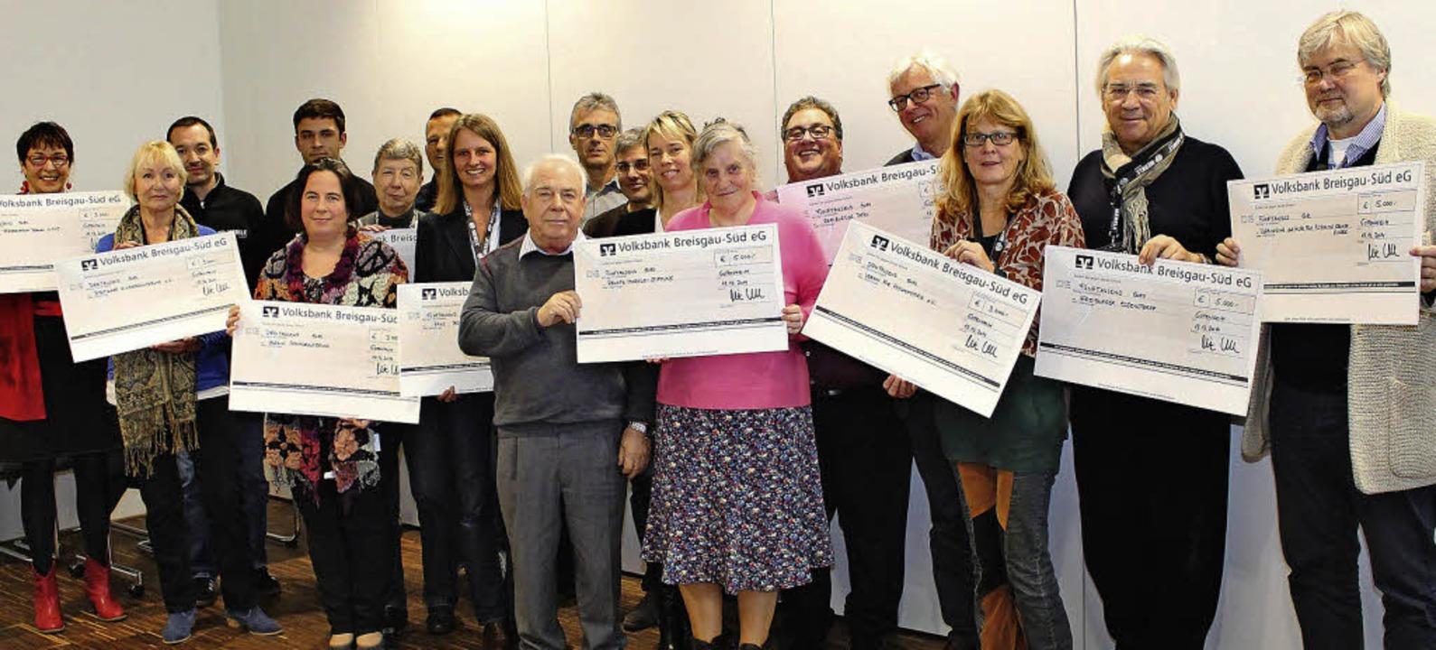 Mehr als 42000 Euro spendete die Firma...e  an zehn wohltätige Organisationen.   | Foto: Mario Schöneberg