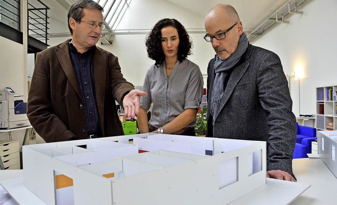 Cornelius Wittal (von links), Tanja Nolasco und Andreas Dietrich am Modell   | Foto: Ralf H. Dorweiler (2)/zvg (1)