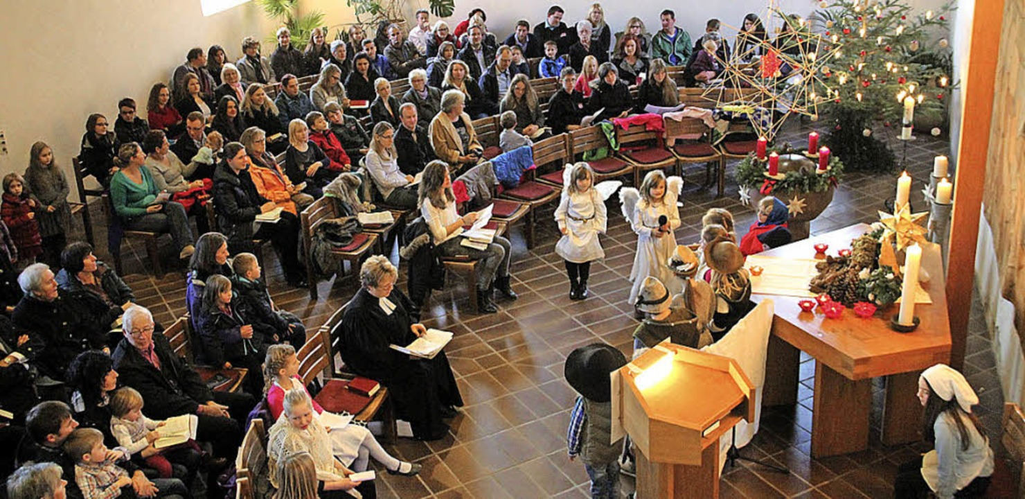 Gut besucht war besonders die Christve...ippenspiel an Heiligabend in Vogelbach    Foto: Rolf-Dieter Kanmacher