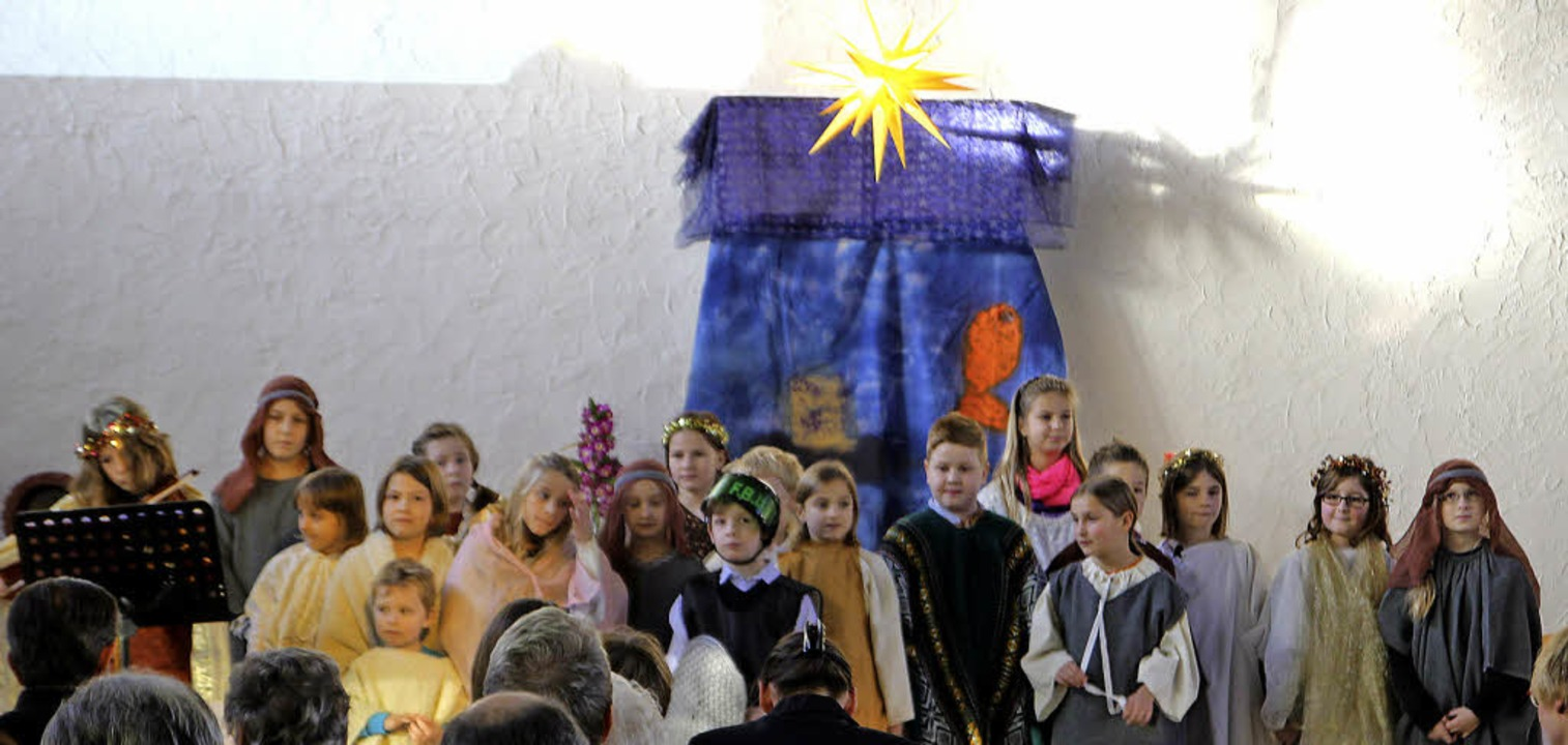 Der Weihnachtsstern wies auch den Kind...or Tiny Times den Weg nach Bethlehem.   | Foto: SALATHE