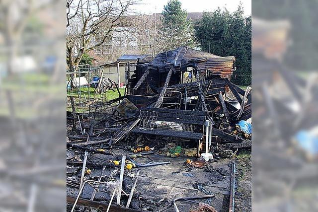Gartenhütte völlig niedergebrannt