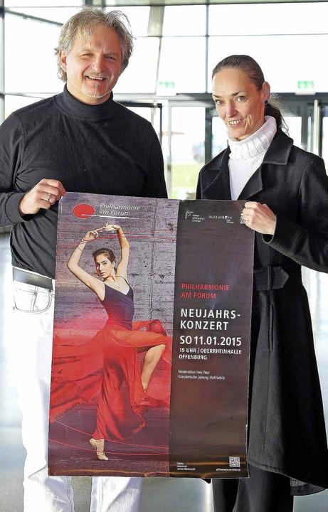 Tänzerin Elisabeth Lust wird die Musik...Schilli (links) in Bewegung umsetzen.   | Foto: Peter Heck
