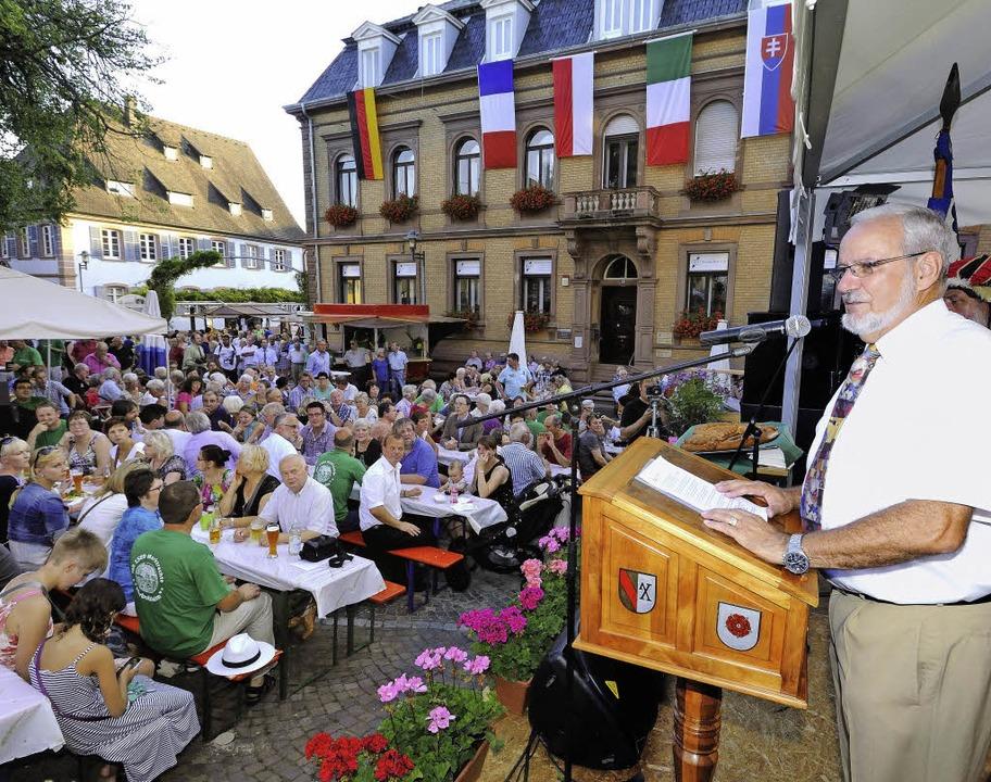 Beim Jubiläum 425 Jahre Marktrechte wu...n Landtagspräsident Guido Wolf geehrt.  | Foto: Gollrad, Haberer