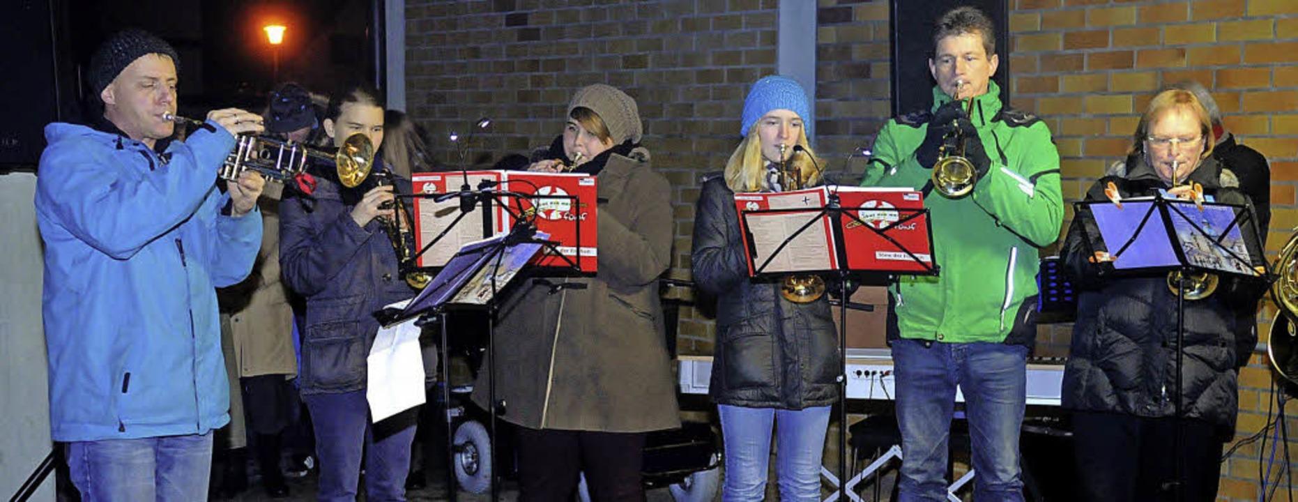 Der Posaunenchor hat das Weihnachtsmusizieren in Allmannsweier eröffnet.     Foto: Wolfgang Künstle