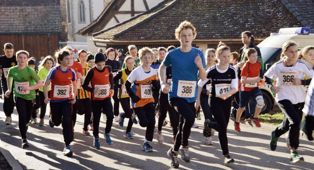 Auch immer mehr Schüler starten beim Britzinger Silvesterlauf, wie hier 2013.   | Foto: Sigrid umiger