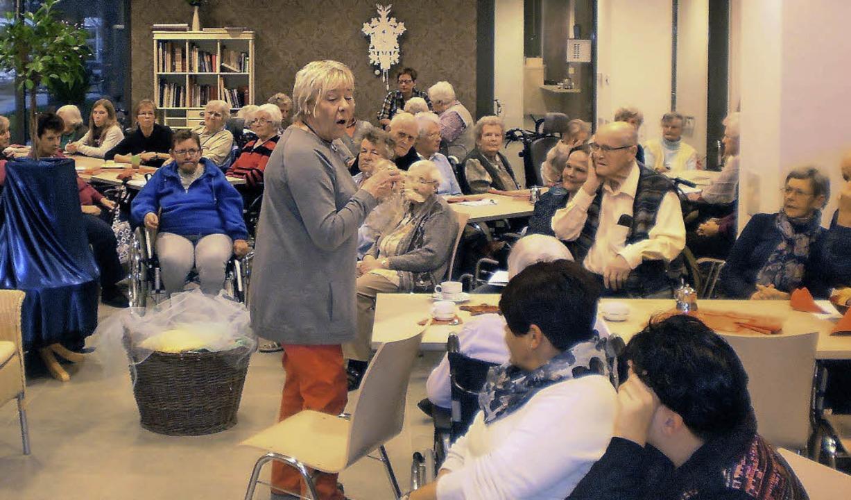 Christa Hoheisels Märchenerzählungen w...ihnachtsfeier im Georg-Reinhardt-Haus.  | Foto: zvg