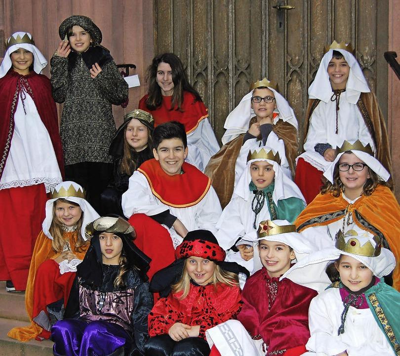 Die Sternsinger aus dem Offenburger Or...bereiten sich auf ihren Auftritt vor.     Foto: puppe