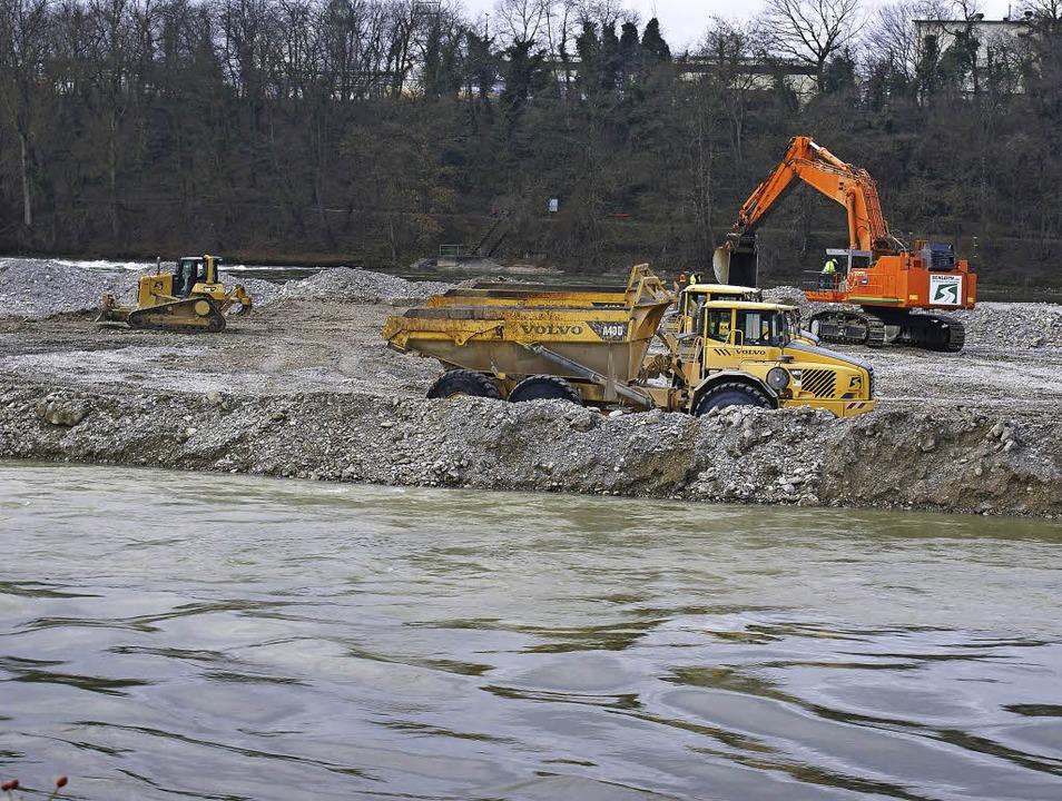 Der Rhein wird ausgegraben.   | Foto: Valentin Zumsteg