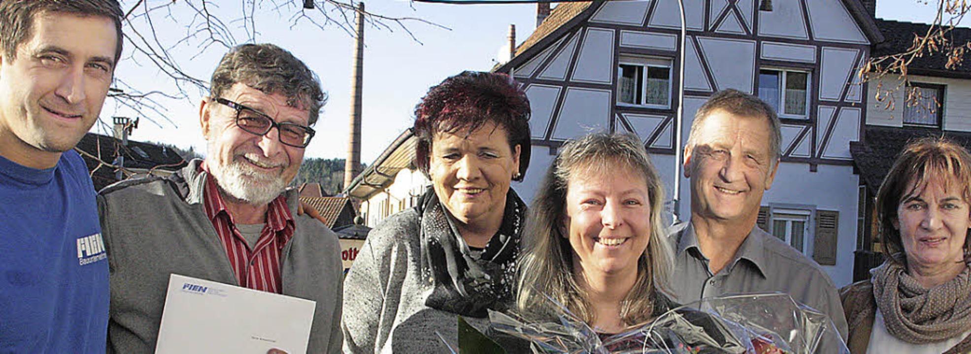 Jürgen Fien, Karle Winterhalter (verab... erfolgreiches Jahr 2014 hinter sich.     Foto: Kerckhoff