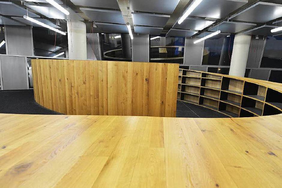 Die neue Unibibliothek in Freiburg wird nach und nach eingerichtet (Foto: Rita Eggstein)