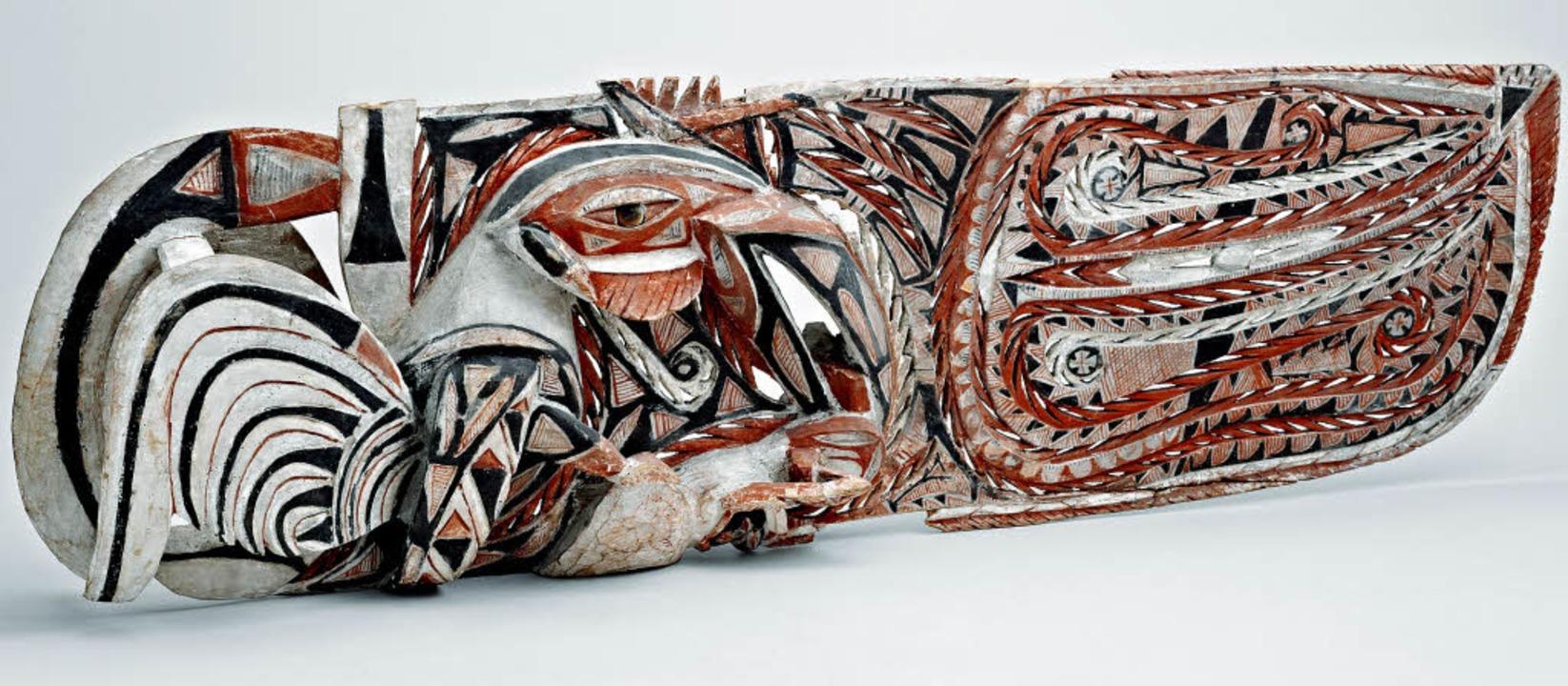 Ein Mischwesen, das eine Schlange in d...ruckende Fries der Freiburger Sammlung    Foto: Dick