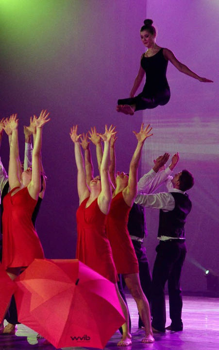 … und hohe Sprünge begeistern die Zuschauer.    Foto: Seeger