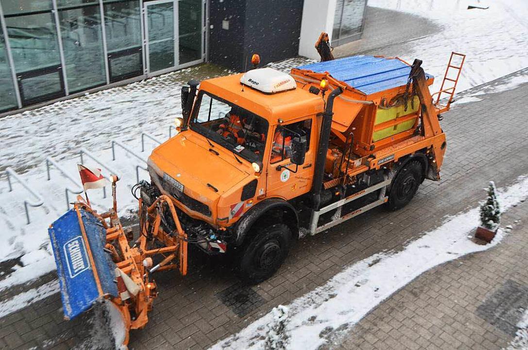 Die Räumfahrzeuge des Werkhofs brauche...m sie von Schnee und Eis zu befreien.   | Foto: Peter Gerigk