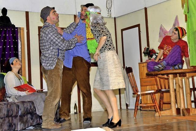 Frustrierte Hausfrau wird zur feurigen Italienerin