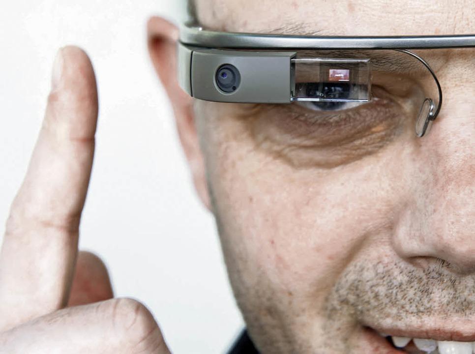Könnte – laut  Schwägerl –...tbar werden: eine  Google-Datenbrille     Foto: dpa