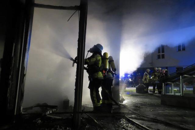 Nächtliches Feuer legt Landratsamt Emmendingen lahm