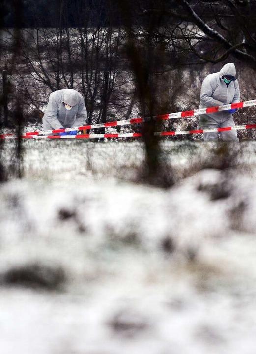 Die Leiche des Mannes wurde am frühen ...auf einem Feld bei Neuenburg gefunden.  | Foto: dpa