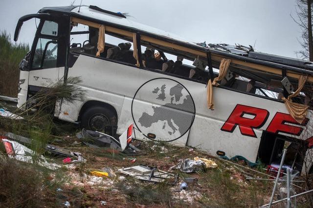 Reisebus aus Baden-Württemberg verunglückt: Vier Menschen sterben