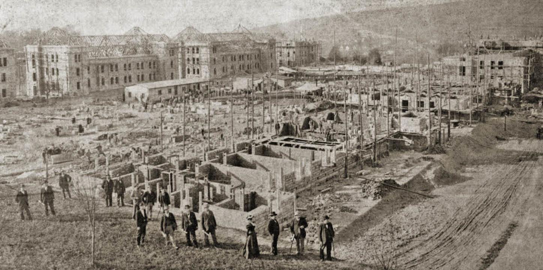 Die Infanteriekaserne wird gebaut, ein Foto aus dem Jahr 1898.   | Foto: Stadt Lahr