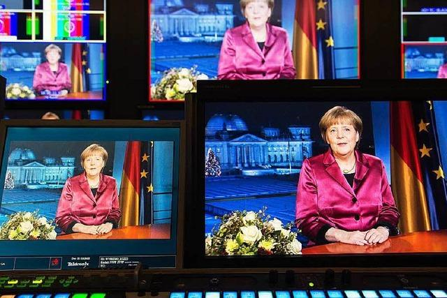 Neujahrsansprache: Merkel umarmt (fast) alle