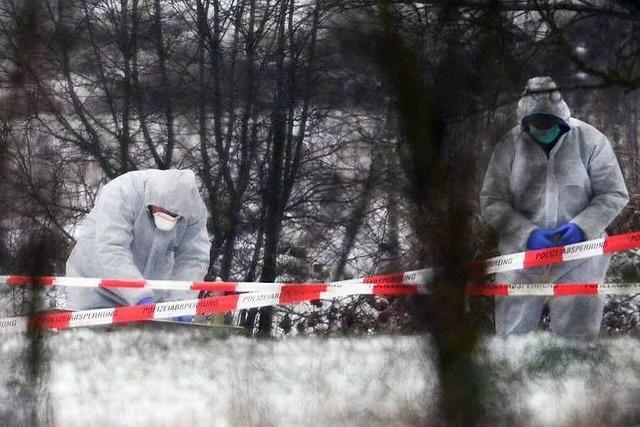 Tötungsdelikt in Neuenburg: Polizei nimmt mehrere Verdächtige fest