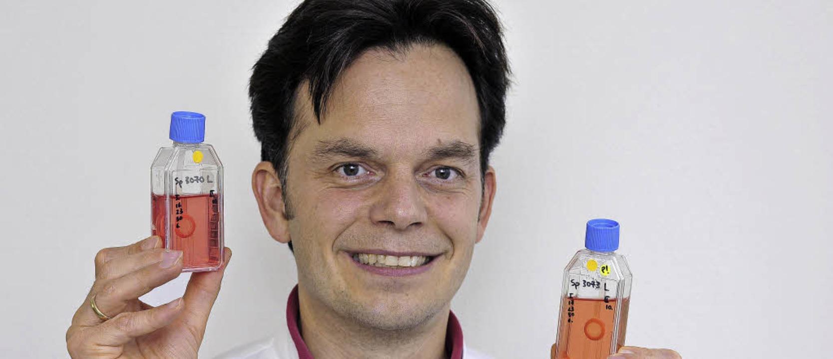 Philip Maier, Leiter der Hornhautbank ...hchen für Hornhaut-Transplantationen.   | Foto: Thomas Kunz