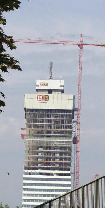Blick auf die Baustelle in Basel: Rain... arbeitet im Kran auf 192 Metern Höhe.  | Foto: Privat