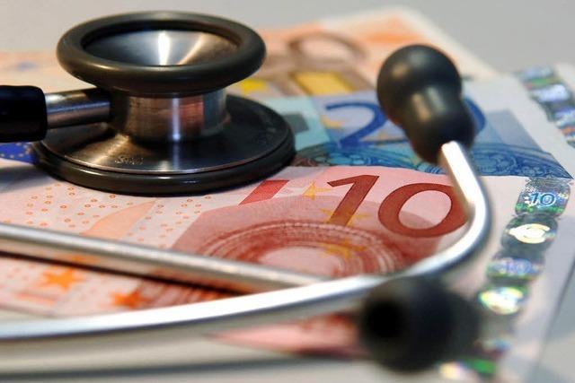 Etliche Krankenkassen erheben Zusatzbeiträge – was tun?