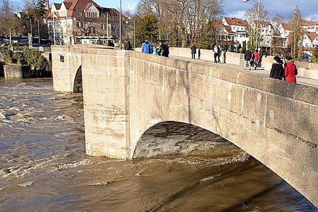 Hohe Rheinpegel wegen des Tauwetters