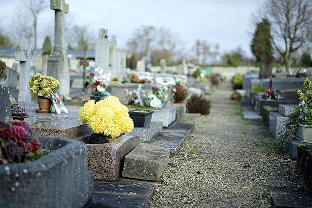 Französischer Bürgermeister verweigert einem verstorbenen Roma-Mädchen die Bestattung