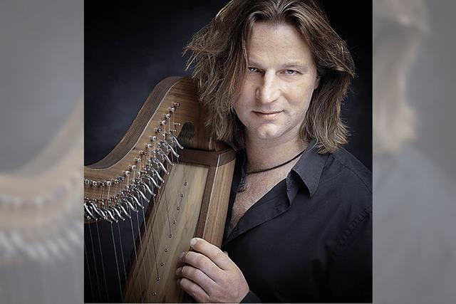 Der Harfenist und Folksänger Andy Lang kommt nach Mundingen