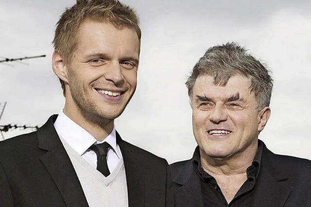 Volkmar Staub und Florian Schroeder im Burghof
