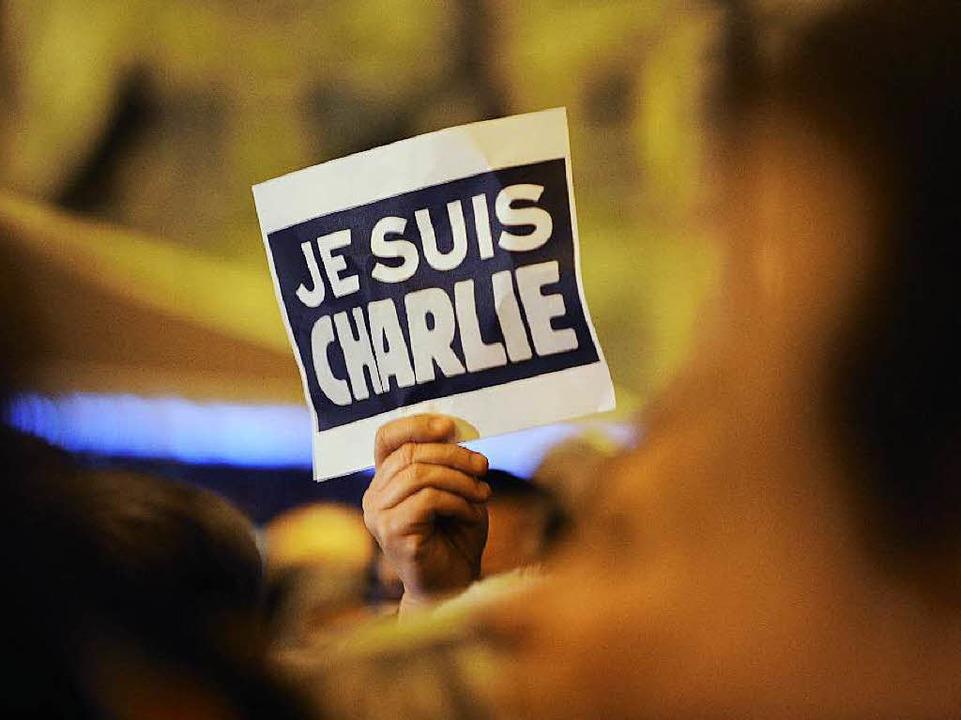 Solidarität mit den Ermordeten in Paris.  | Foto: AFP