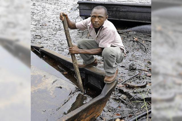 Shell entschädigt Nigerianer nach Ölpest