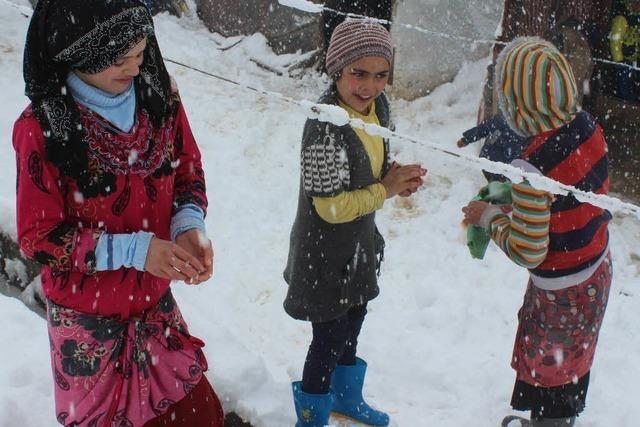 Schnee im Libanon verschärft Flüchtlingselend
