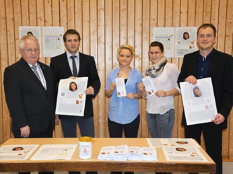 Die Initiativgruppe war auch beim Neuj...atharina Berger und  Daniel Futterer.   | Foto: Privat