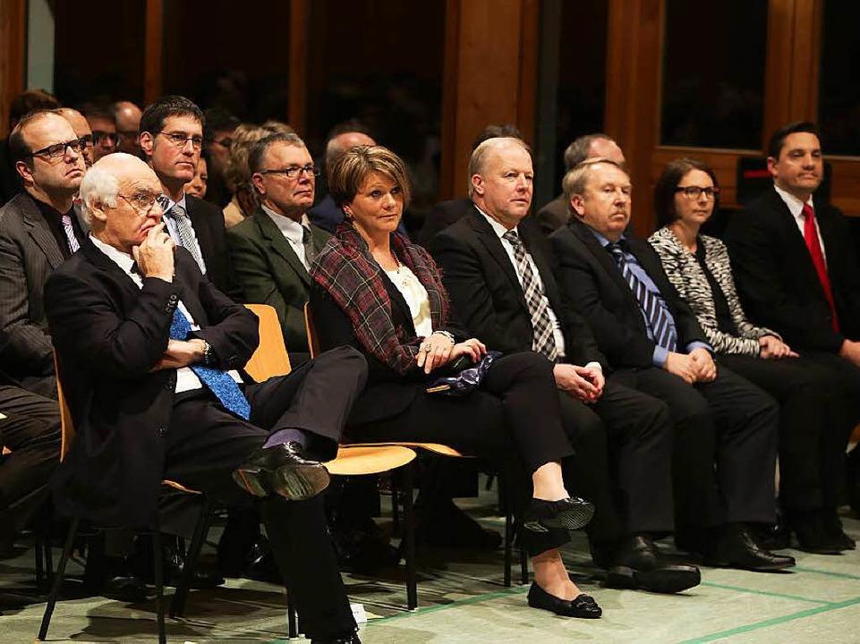 Gäste hören dem Bürgermeister zu, unte... Alexander Schröder und Jochen Paleit.  | Foto: Christoph Breithaupt, Christoph Breithaupt