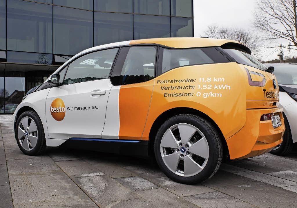 Immer mehr Unternehmen wie hier die Te...ehmen Elektroautos in ihre Flotte auf.  | Foto: Testo