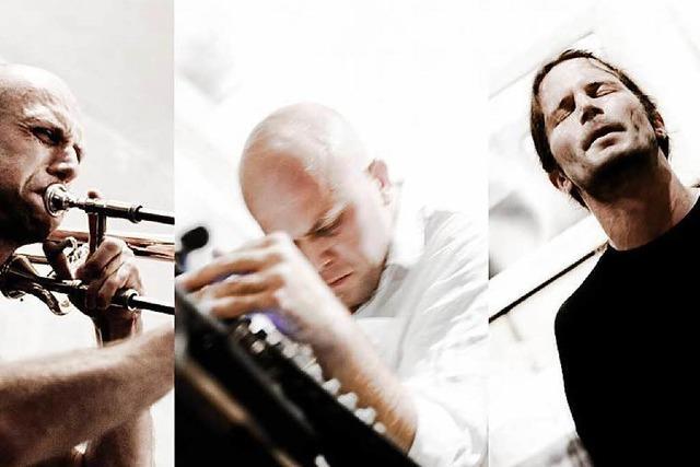 Die Band Noisezone spielt im Kieswerk