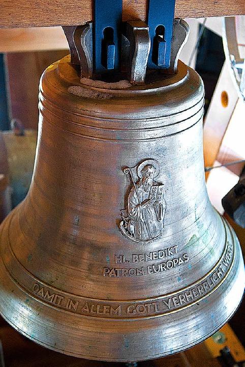 Die neue Glocke im Turm ist   St. Benedikt geweiht, dem Schutzpatron Europas.   | Foto: Wolfgang Scheu