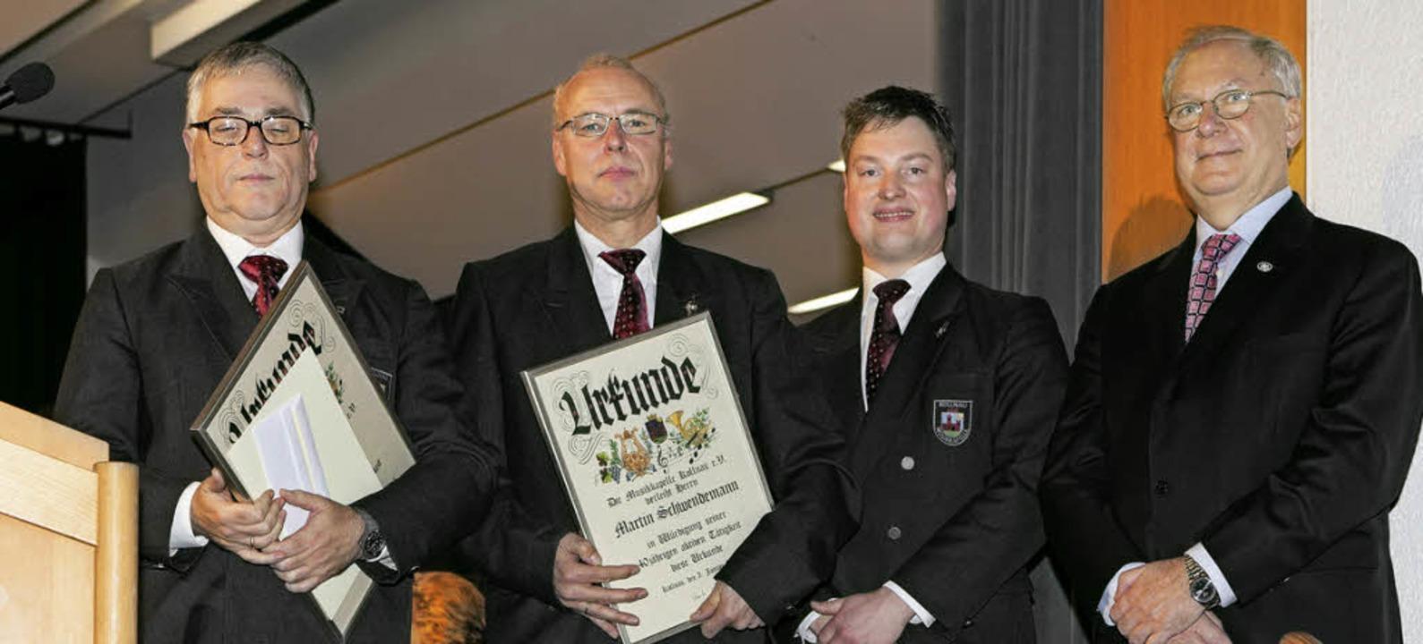 Josef Brugger und Martin Schwendemann ... Wehrle und Harald Bobeth (von links).  | Foto: Photographer: Gabriele Zahn